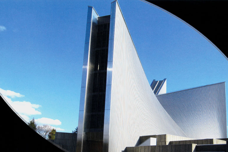東京カテドラル聖マリア大聖堂横